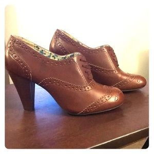 Oxford Style Booties